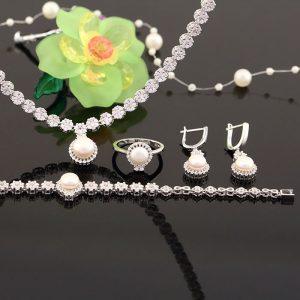 Trang sức – quà tặng cho nữ trung niên được yêu thích nhất